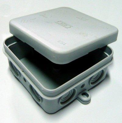 Krabice vodo OBO A8 VDE IP54 zacvakávací